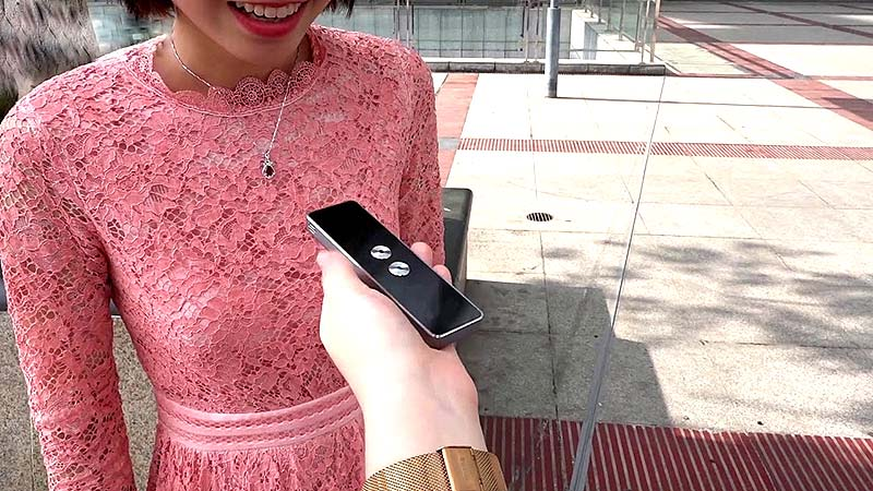 Translaty – This Genius Device Let's You Communicate in More Than 40 Languages
